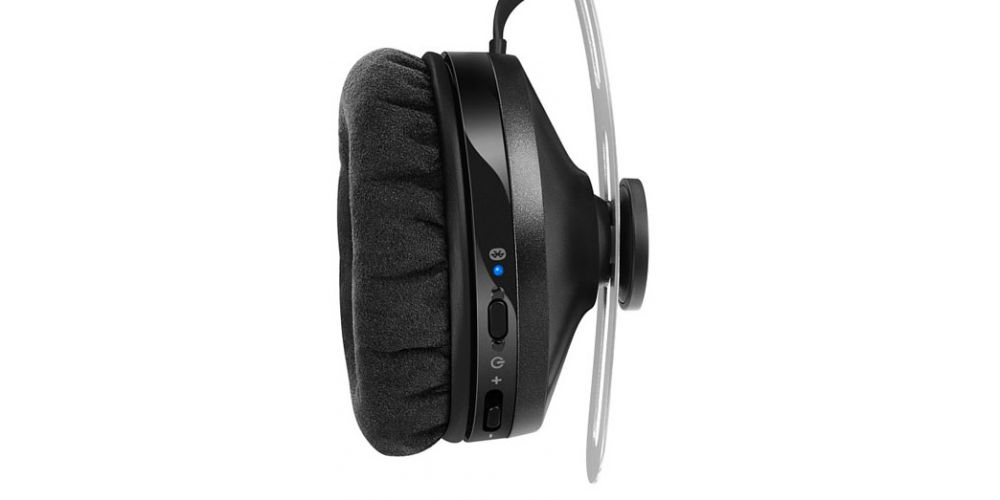 MOMENTUM ON EAR WIRELESS CONTROLES