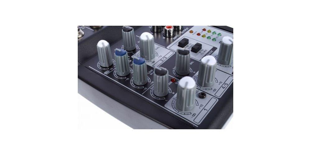 behringer 502 controles