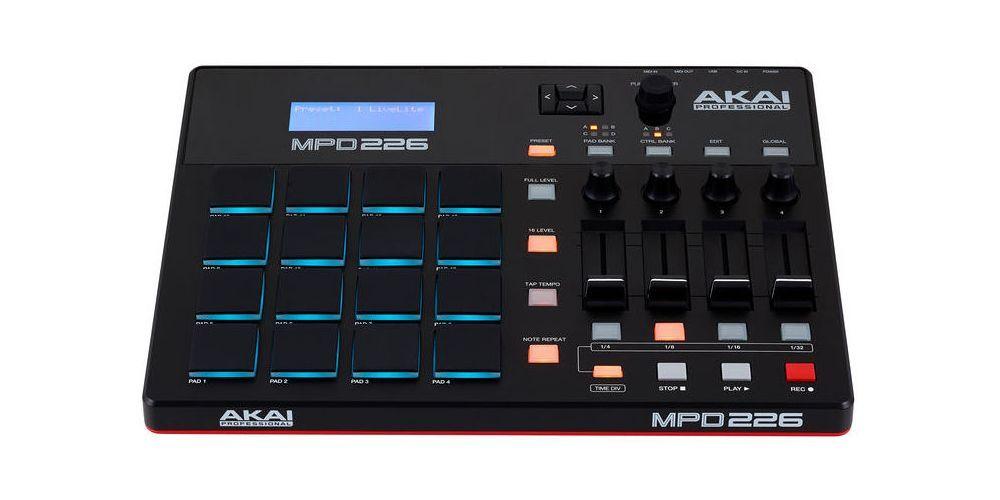 AKAI MPD 226 FRONT