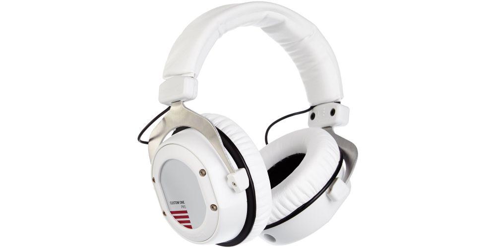beyerdinamics custom one pro plus white