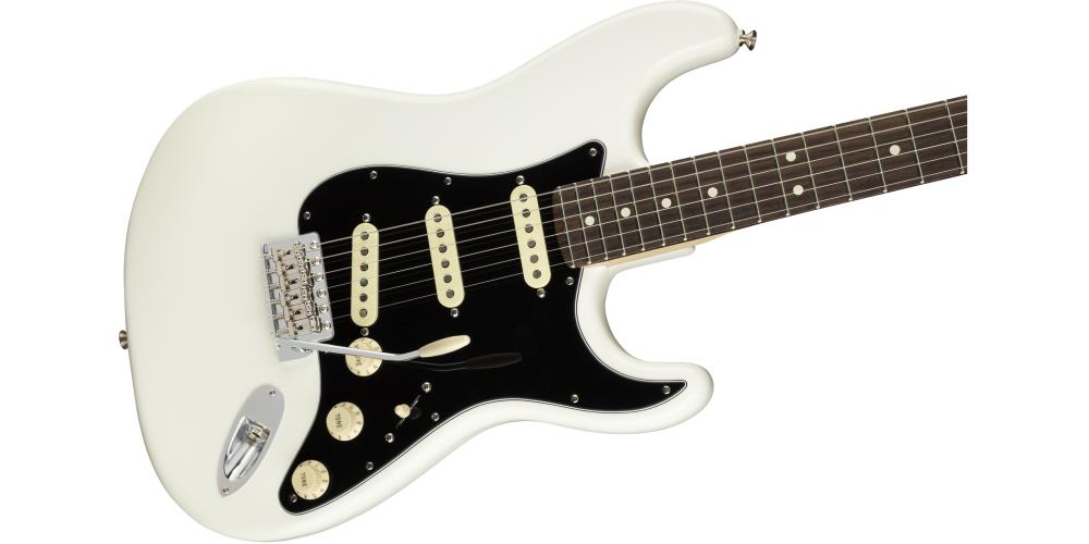 Fender AM PERF STRAT RW AWT pastillas