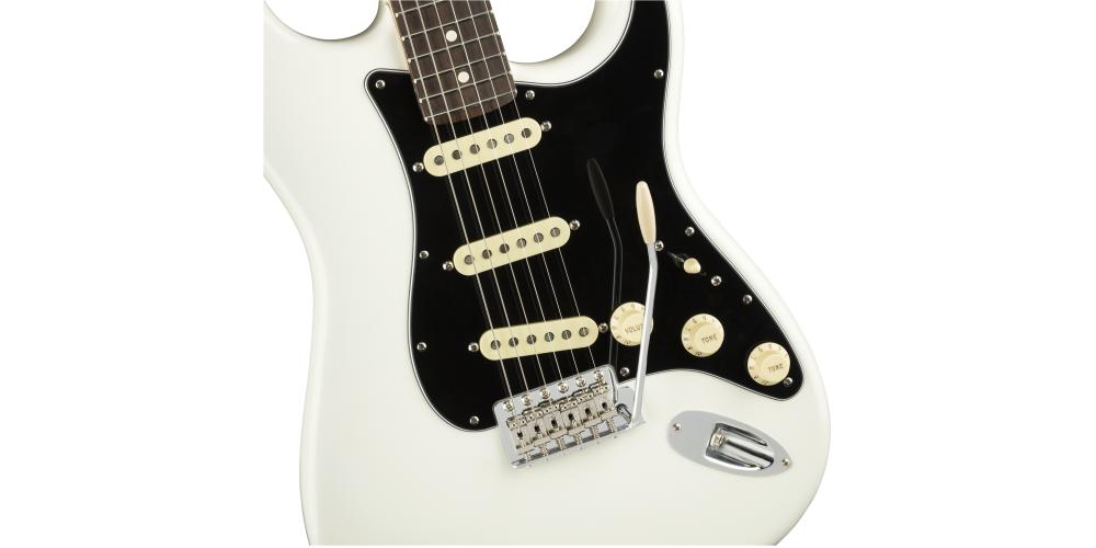 Fender AM PERF STRAT RW AWT tremolo