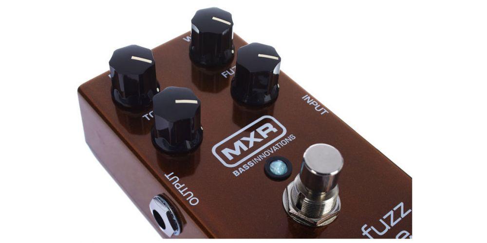 dunlop mxr m84 bass fuzz deluxe knob