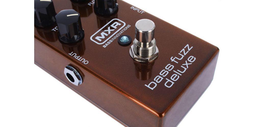 dunlop mxr m84 bass fuzz deluxe push