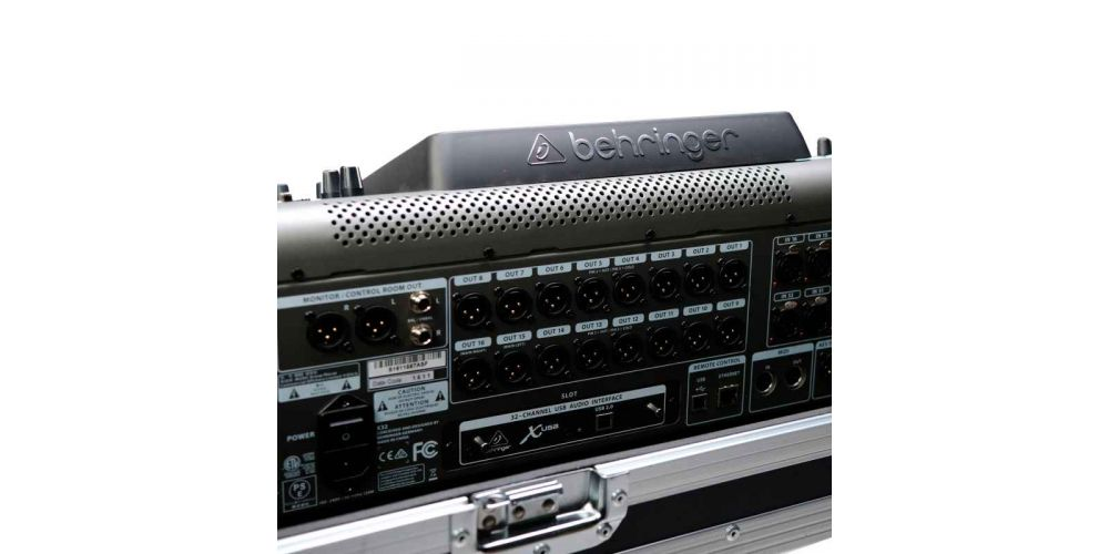 audibax flightcase x32 back