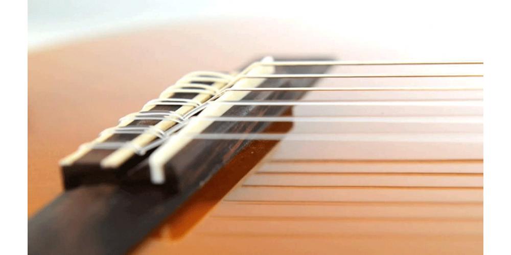 YAMAHA C40 PACKAGE STD Guitarra Clasica C40 Afinador YTC5  con Funda png