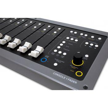 Softube Console 1 Fader Controlador hardware