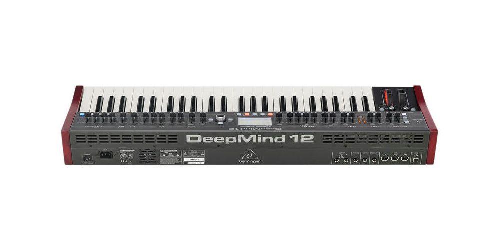 behringer deepmind 12 conexiones