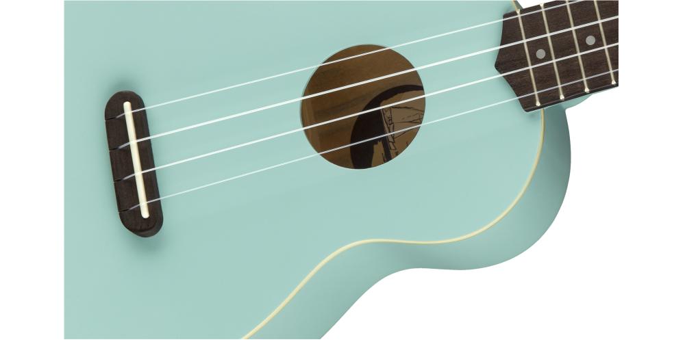 fender venice daphne blue cuerdas
