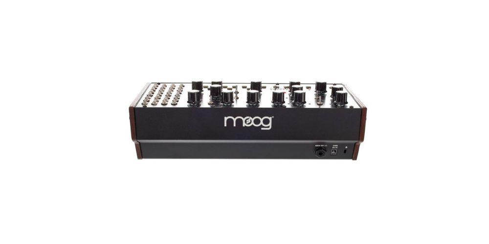 moog mother 32 back