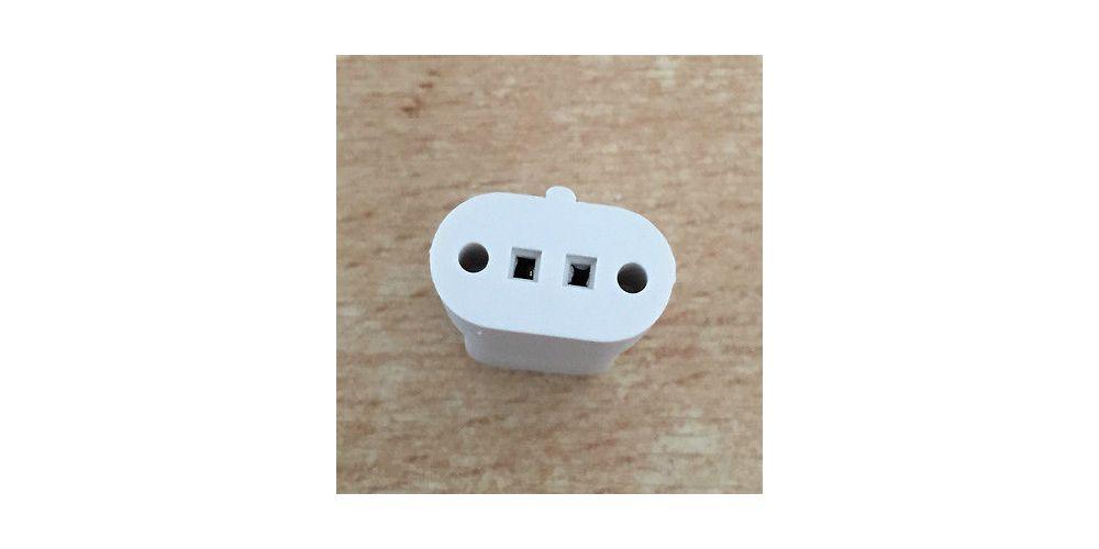 BOSE AC2 White Permite conectar los nuevos cubos a cable pelado.