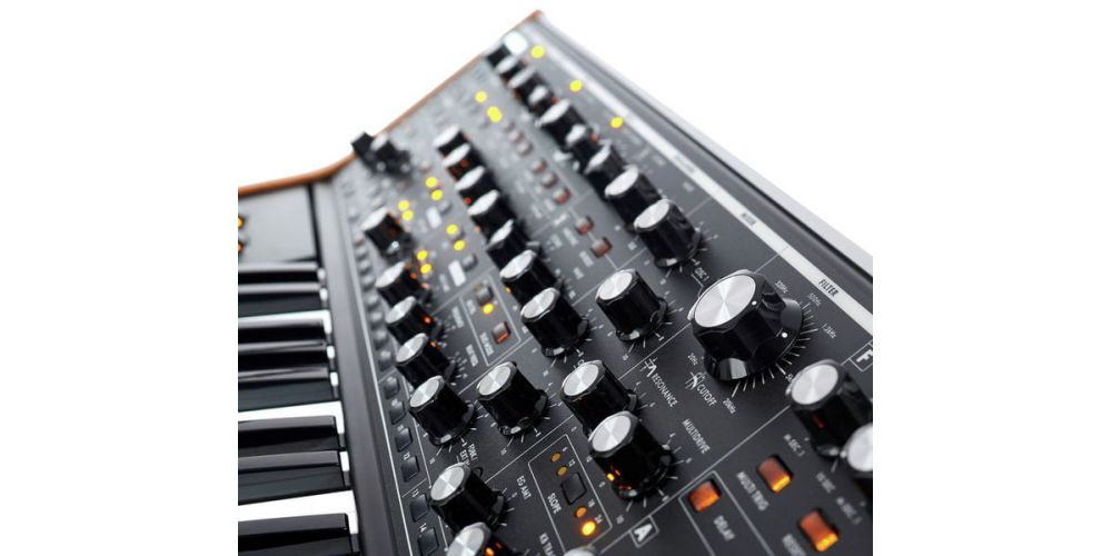 moog subsequent 37 controles