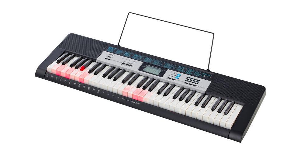 teclado casio lk 136