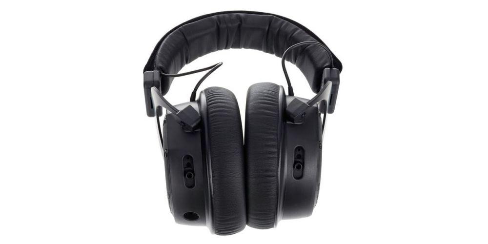 Beyerdynamics custom one pro plus black auriculares