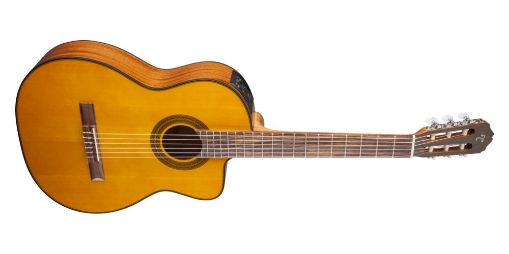 TAKAMINE GC3CE NAT ACUSTICA FRONT
