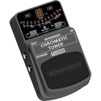 BEHRINGER TU300 Pedal Guitarra Chroma Tuner