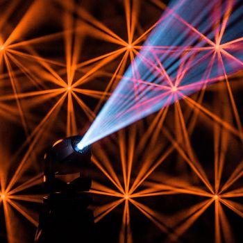 CAMEO AURO SPOT Z300 Cabeza móvil de foco LED