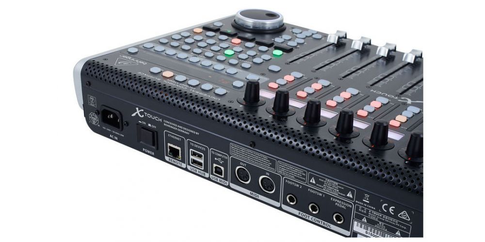 BEHRINGER X-TOUCH Controlador Universal